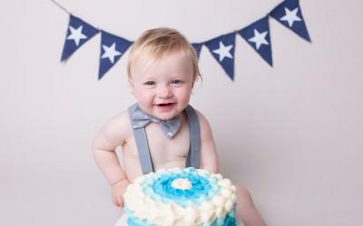 Cake Smash fun with Sam!