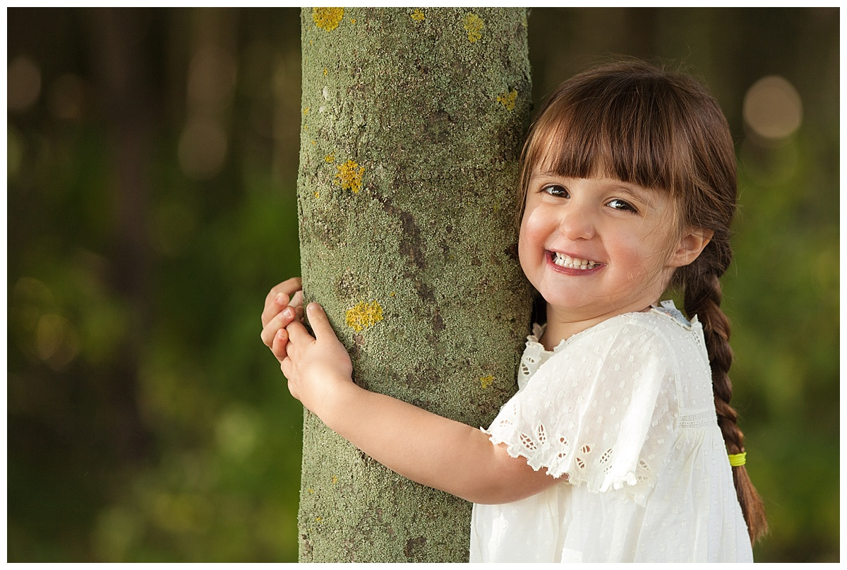 family photographer edinburgh, professional outdoor kids photos in edinburgh by Beautiful Bairns Photography
