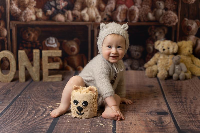 photo of a boy having a teddy bear themed cake smash by Beautiful Bairns photography Edinburgh
